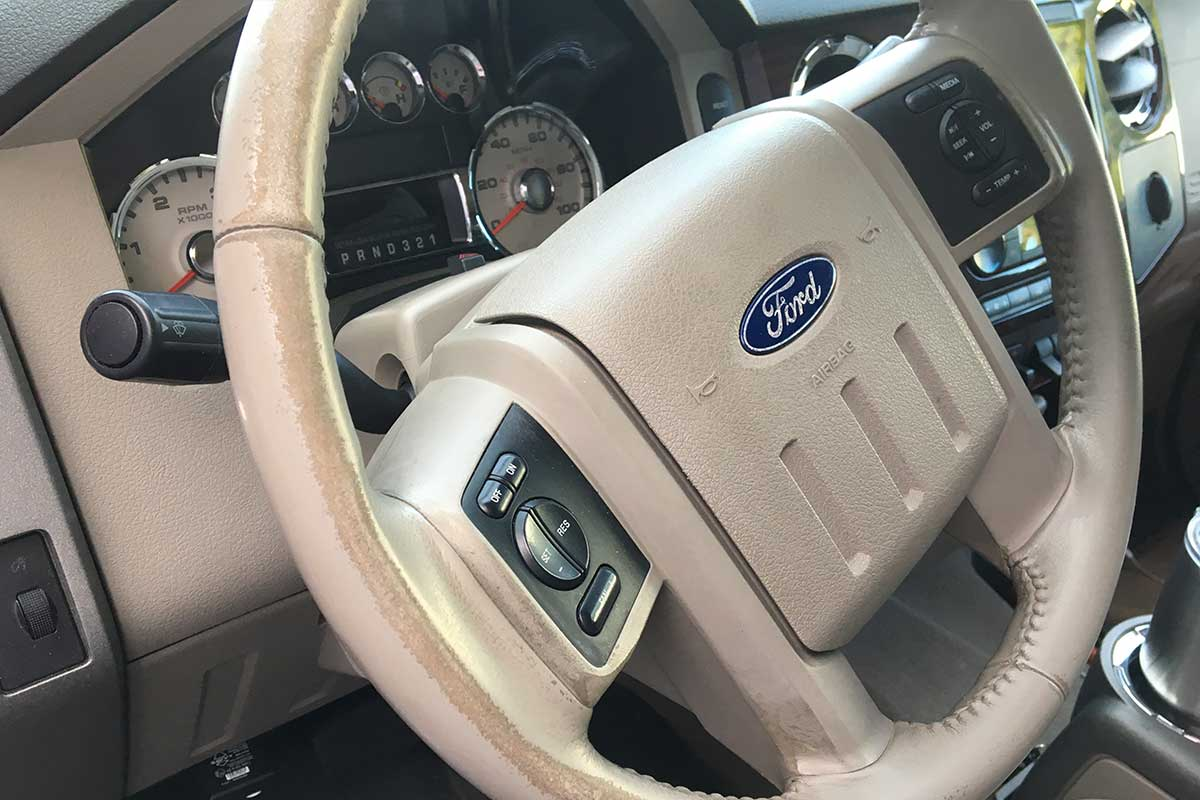 Ford steering wheel with worn edges