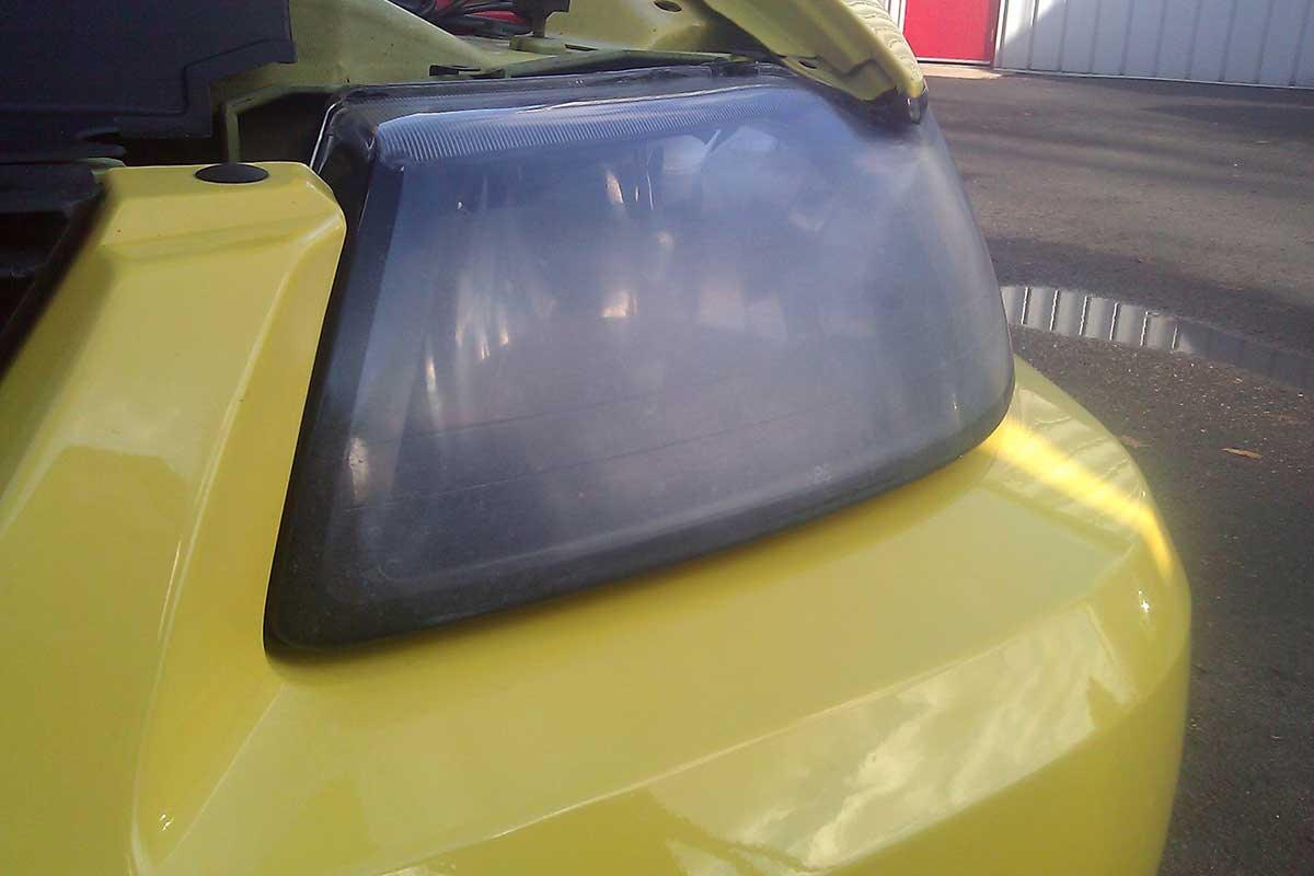 oxidized car headlight repair